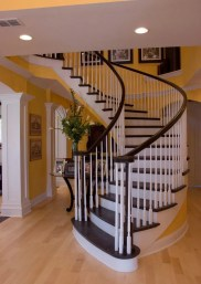 Traditional Curved Staircase 35